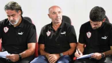 جيمي باتشيكو مع مدحت عبد الهادي في مباراة حرس الحدود والزمالك