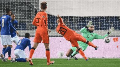 فان دي بيك يسجل هدف بتصويبة صاروخية في مباراة ايطاليا وهولندا في دوري الأمم الأوروبية 2021/2020