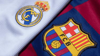كلاسيكو الأرض ، شعار ريال مدريد وبرشلونة والليجا - صور Getty