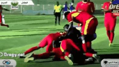 فرحة لاعبو المريخ بهدف السماني امام الهلال في ختام الدوري السوداني 2020/2019