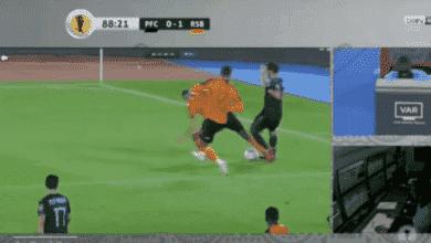 مدافع نادي بيراميدز ومنتخب مصر عمر جابر يتعرض لاصابة خطيرة في نهائي الكونفدرالية أمام نهضة بركان المغربي عام 2020