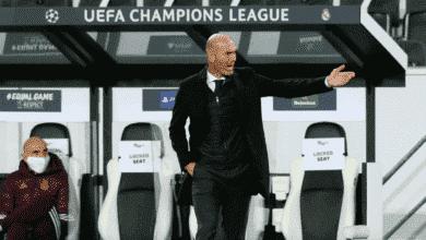 زيدان في مباراة ريال مدريد ومونشنجلادباخ في دوري أبطال أوروبا