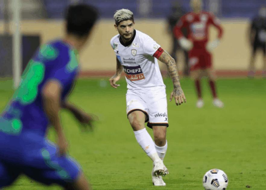 النجم الأرجنتيني بانيجا يغيب عن نادي الشباب أسبوعين للإصابة!