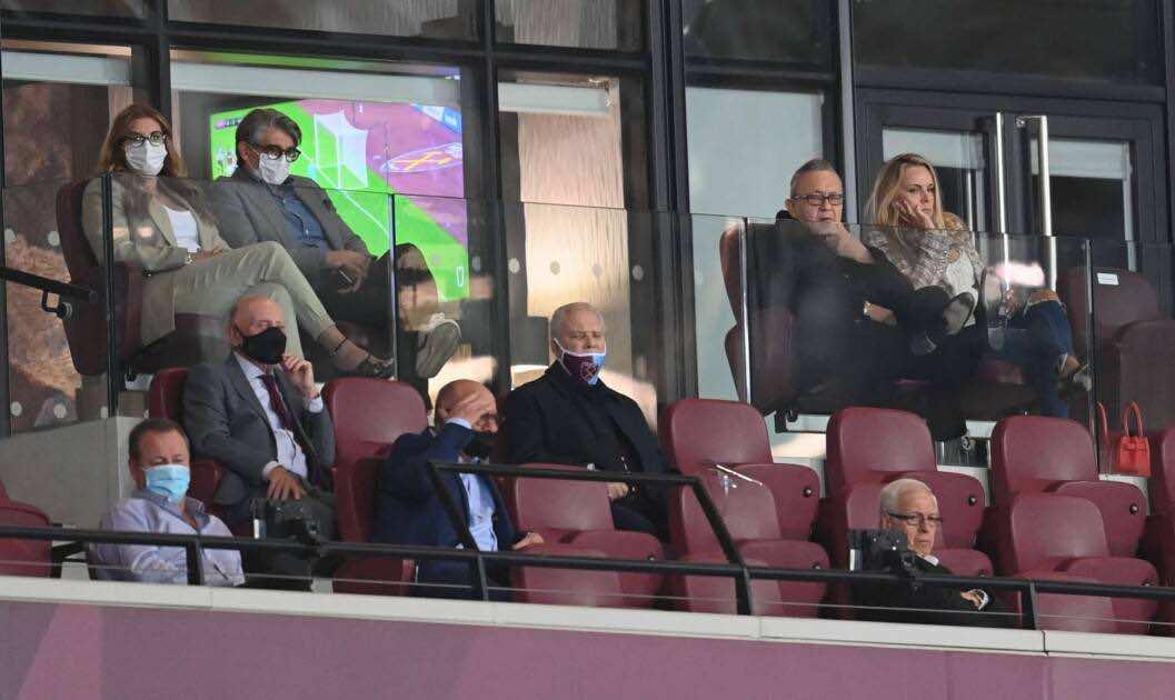 نيوكاسل يرفع دعوى قضائية ضد رابطة الدوري الإنجليزي بعد فشل الاستحواذ السعودي - صور Reu