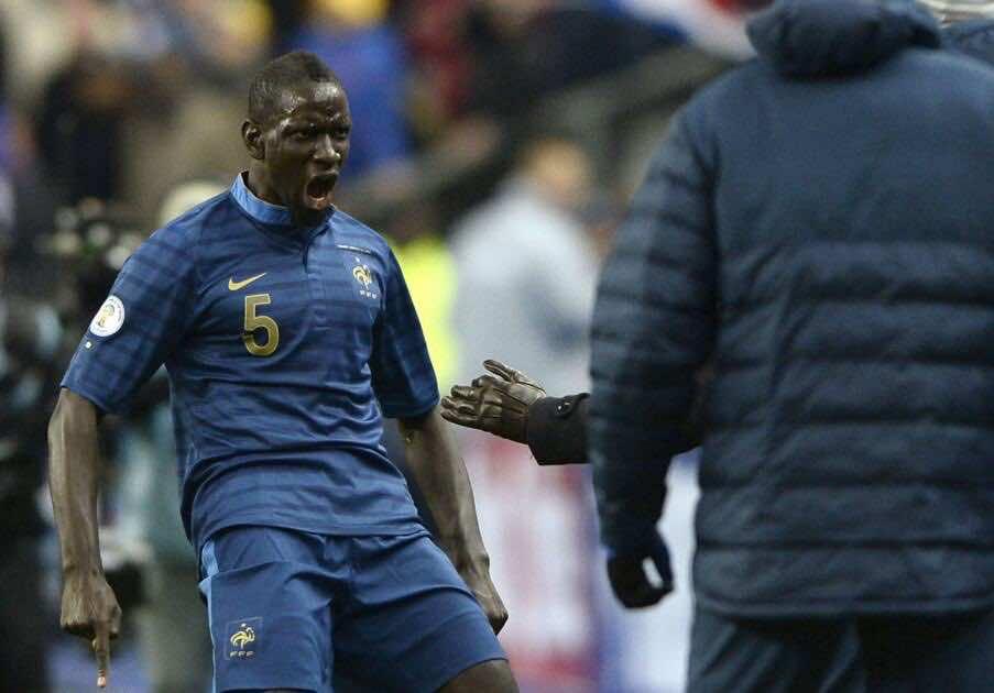 الاتحاد الأوروبي لكرة القدم يبرأ المدافع الفرنسي ساكو.. - صور Afp
