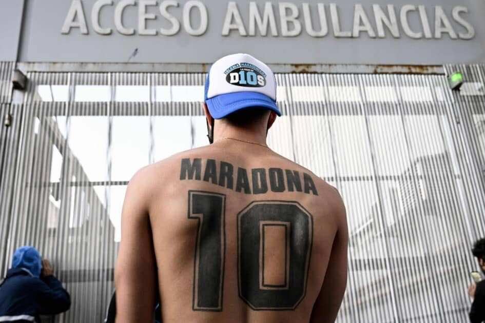 مارادونا خضع لعملية جراحية ناجحة في الدماغ - صور Afp