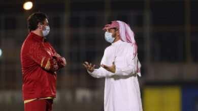 رئيس النصر السعودي يجتمع مع لاعبي الفريق والجهاز الفني