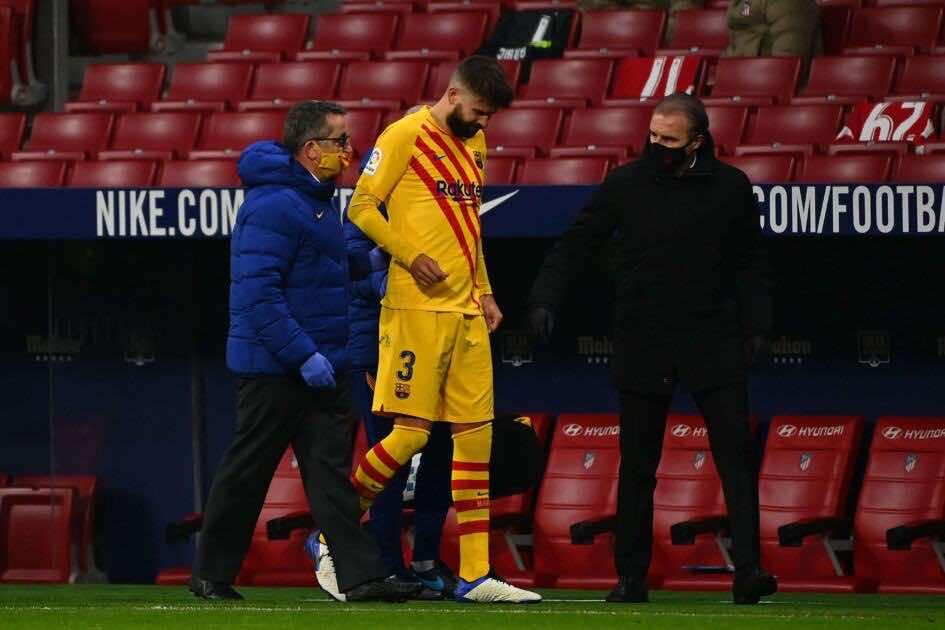 برشلونة يكشف طبيعة إصابة بيكيه وسيرجي روبرتو - صور Afp