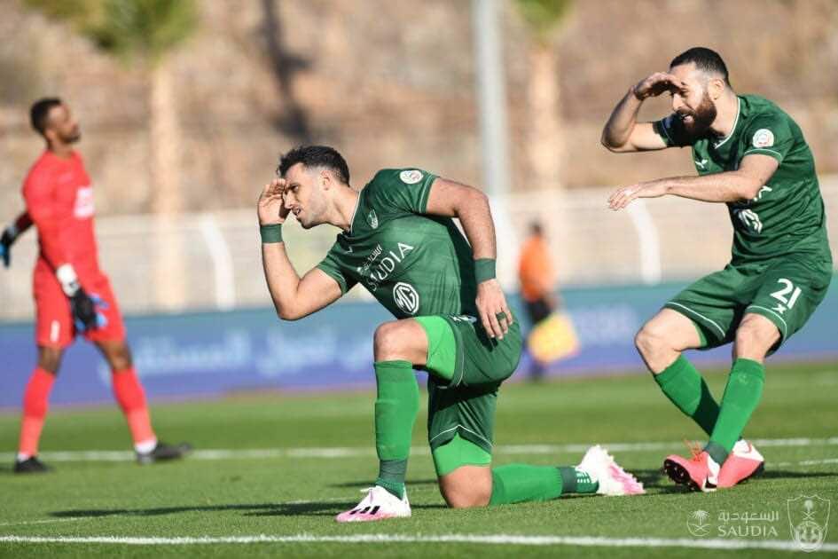 فرحة لاعبي الأهلي السعودي بالفوز على العين - صور موقع الأهلي السعودي