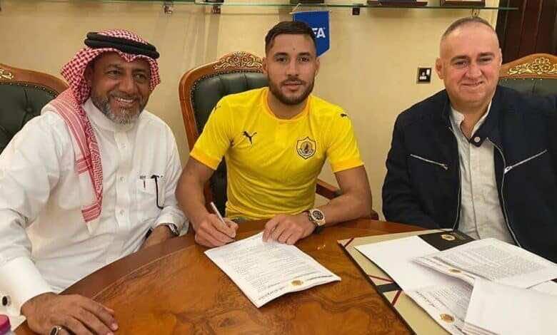 الجزائري بلايلي يعلن انضمامه لنادي قطر