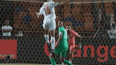 مصطفى محمد يتغلب على بدر بانون في إياب نصف نهائي دوري أبطال أفريقيا بين الزمالك والرجاء ويسجل هدف رأسي رهيب