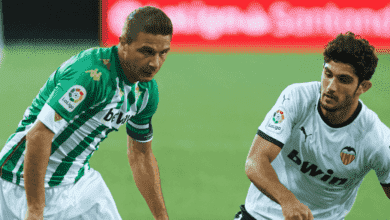 خواكين سانشيز في مباراة ريال بيتيس وفالنسيا في الدوري الاسباني