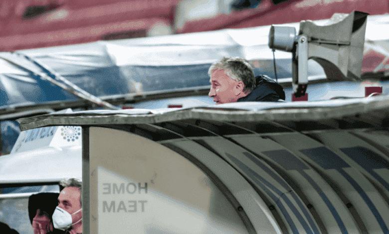 المدرب الروماني دان بيتريسكو يتعرض لخسارة فادحة في مباراة كلوج وروما بمنافسات الدوري الأوروبي 2020- صور Getty