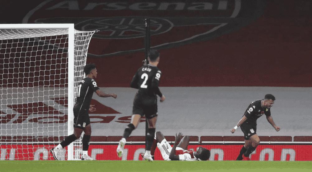 محمود تريزيجيه يتسبب في هدف لصالح استون فيلا امام ارسنال في الدوري الانجليزي