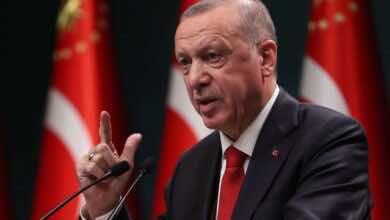 أردوغان يتهم فرنسا أنها أصبحت مكانًا للعنصرية