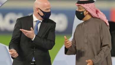 """رئيس الفيفا يتحدث عن """"السلام والتسامح"""" في مؤتمر دبي الرياضي الدولي"""