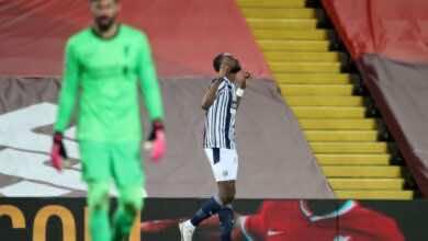 """احتفال النيجيري """"أجايي""""بتسجيل هدف التعادل فى ليفربول بالبريميرليج (صور:AFP)"""