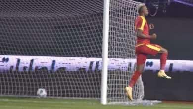 احتفال كارلوس لاعب القادسية فى مباراة الفوز على الشباب فى الدوري السعودي (صور:twitter)
