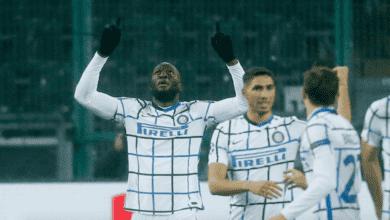 روميلو لوكاكو يسجل ثنائية في مباراة انتر ميلان ومونشنجلادباخ في دوري ابطال اوروبا