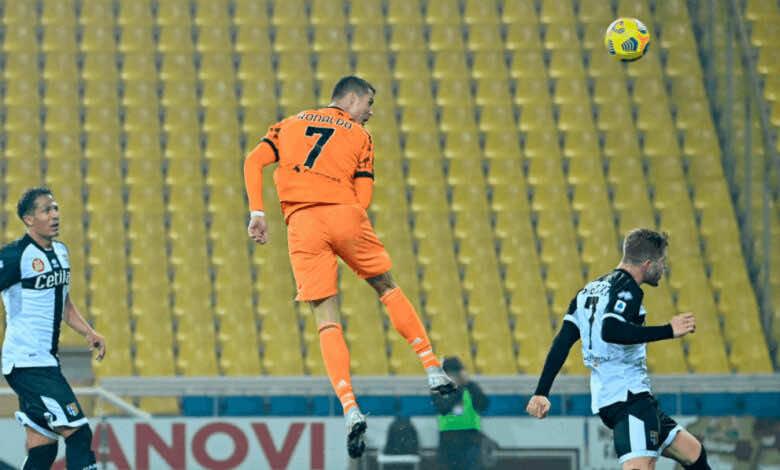 كريستيانو رونالدو يسجل هدف رأسي رائع في مباراة يوفنتوس وبارما في الدوري الايطالي موسم 2021/2020