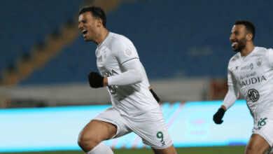 احتفال عمر السومة بهدف فوز الاهلي على الرائد في الدقيقة 92 من مباراة الجولة 10 من الدوري السعودي موسم 2021/2020
