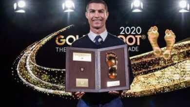 كريستيانو رونالدو يتفوق على ميسي وليفاندوفسكي ويحقق جائزة القدم الذهبية