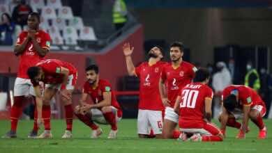 محمود تريزيجيه لاعب أستون فيلا يهنئ الأهلي المصري ببرونزية كأس العالم للأندية - صور Afp