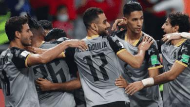 لاعبو الاهلي المصري يحتفلون بهدف التقدم على الدحيل القطري في كأس العالم للأندية 2020