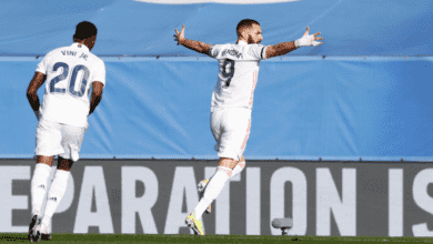 كريم بنزيمة يسجل هدف ريال مدريد الأول أمام فالنسيا في الدوري الاسباني