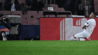 كيليان مبابي يسجل هاتريك في مباراة باريس سان جيرمان وبرشلونة في دوري ابطال اوروبا 2021 - صور AFP