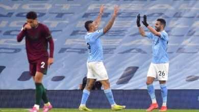 احتفال رياض محرز وجابريال جيسيوس فى مباراة مانشستر سيتي وولفرهامبتون فى الدوري الانجليزي (صور:AFP)