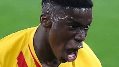 لماذا أوقف والد موريبا انتقال نجله من برشلونة إلى مانشستر سيتي؟