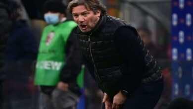 كروتوني الإيطالي يقيل مدربه جيوفاني ستروبا