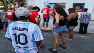 مسيرة في الأرجنتين تطالب العدالة لــ آسطورة كرة القدم مارادونا للأهمال بقتله!
