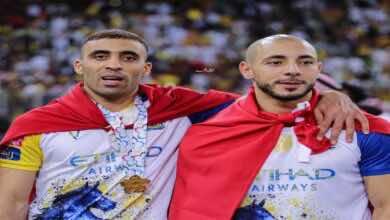 لاعب النصر السابق يفتح النار على حمدالله ويدافع عن أمرابط!
