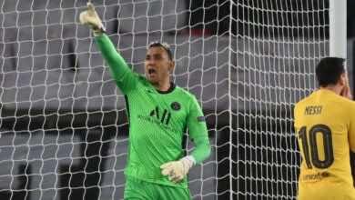 نافاس يتصدى لركلة جزاء من ميسي في مباراة باريس وبرشلونة في دوري ابطال اوروبا