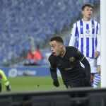 ميسي يقود برشلونة للفوز على ريال سوسيداد 6-1 في الدوري الاسباني