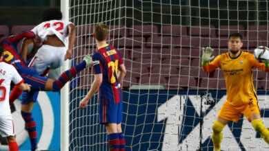 بيكيه يسجل هدف تعادل برشلونة امام اشبيلية في إياب نصف نهائي كأس ملك اسبانيا 2021