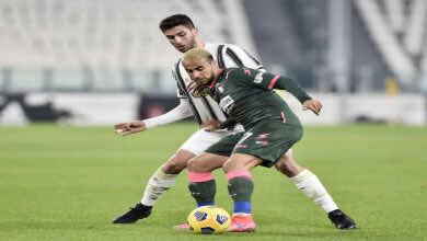 كروتوني يدين الإساءات العنصرية تجاه لاعبه الجزائري وناس