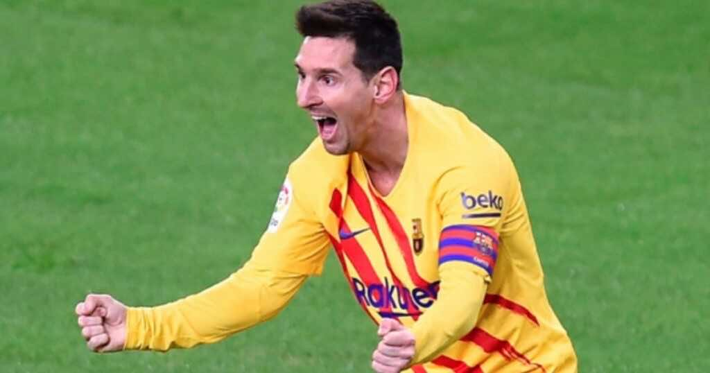 ليونيل ميسي يحتفل بتسجيل ثنائية في نهائي كأس ملك اسبانيا 2021 - برشلونة وأثلتيك بلباو