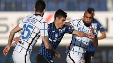 صانع ألعاب أتالانتا روسلان مالينوفسكي أفضل صانع ألعاب في الدوري الايطالي بموسم 2021/2020