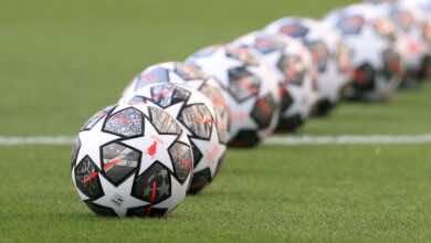 كرة نهائي دوري أبطال أوروبا 2021 في بورتو بين مانشستر سيتي وتشيلسي