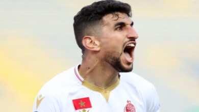 الوداد يُزيح مولودية الجزائر من طريقه لنصف النهائي بهدف قاتل لوليد الكرتي