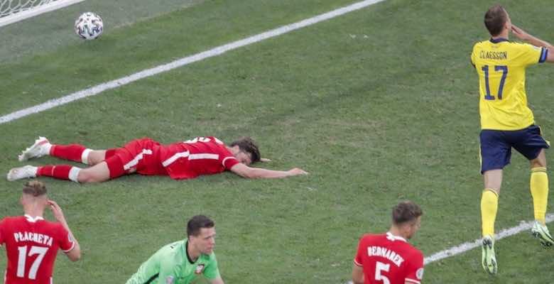 شاهد فيديو اهداف مباراة السويد وبولندا في يورو 2020..كلايسون يقتل ليفا ويُحيي شيفا! - صور Getty