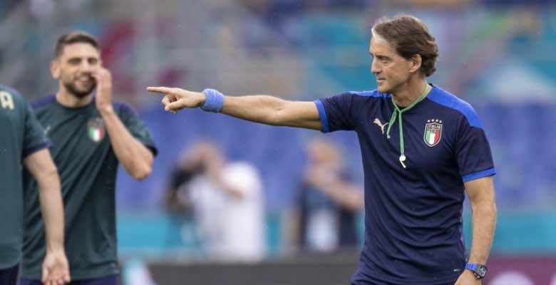 روبرتو مانشيني مدرب منتخب ايطاليا في يورو 2020