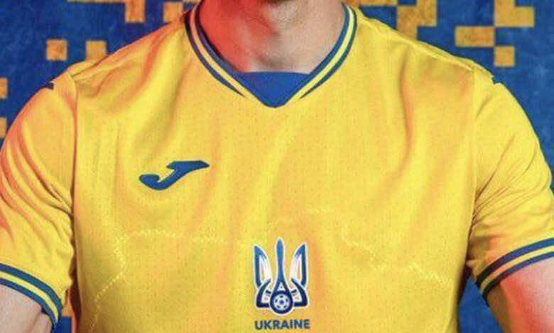 السياسة والرياضة   قصة صراع روسيا مع أوكرانيا بسبب قميص المنتخب