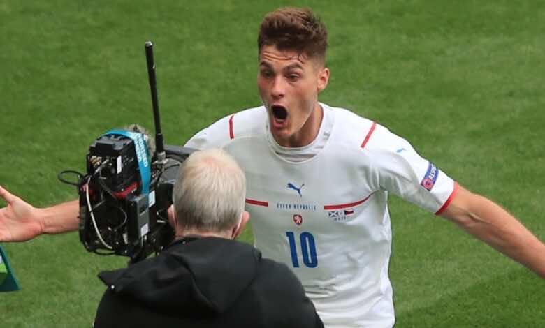"""باتريك شيك..من لاعب رفضه يوفنتوس """"طبيًا"""" لصاحب أجمل هدف في يورو 2020"""