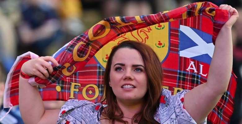 سعادة جمهور اسكتلندا بالتعادل مع منتخب انجلترا في يورو 2020 - صور Getty