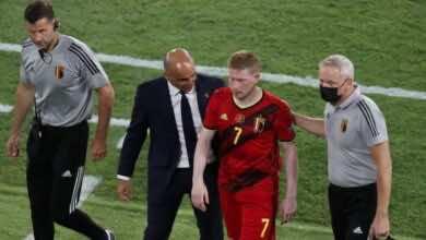 يورو 2020 | دي بروينه يخرج مصابًا من مباراة بلجيكا والبرتغال، فما هي مدة غيابه؟