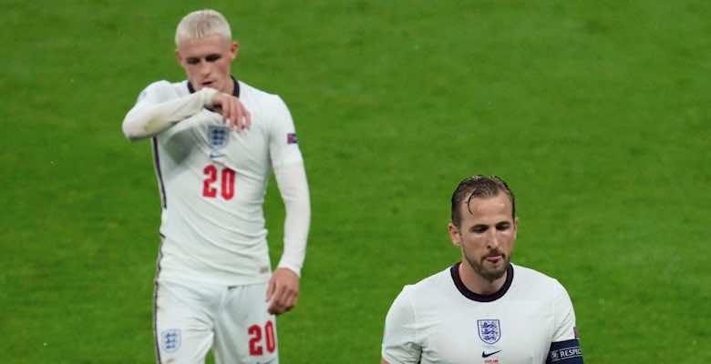 خيبة أمل هاري كين وفيل فودين في مباراة انجلترا اسكتلندا